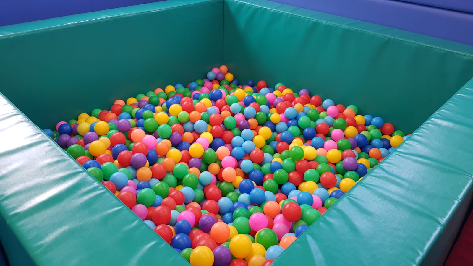 Ball pool in soft play room
